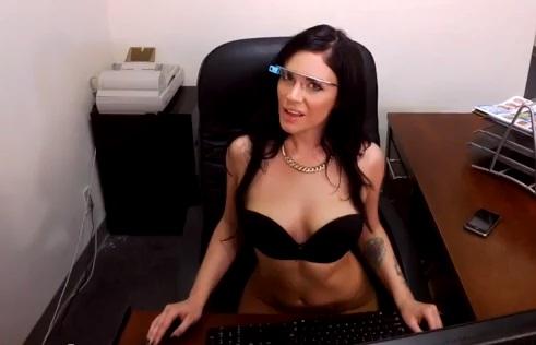 Парни купаются порнозвезды фото видео сучку общаге селена