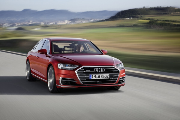 Audi  выпустил новый А8 с автопилотом (ФОТО)