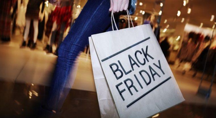 8b6e2de71 В пятницу магазины по продаже одежды, обуви, аксессуаров, мебели, бытовой  техники и электроники обещают скидки, приуроченные к Черной пятнице.