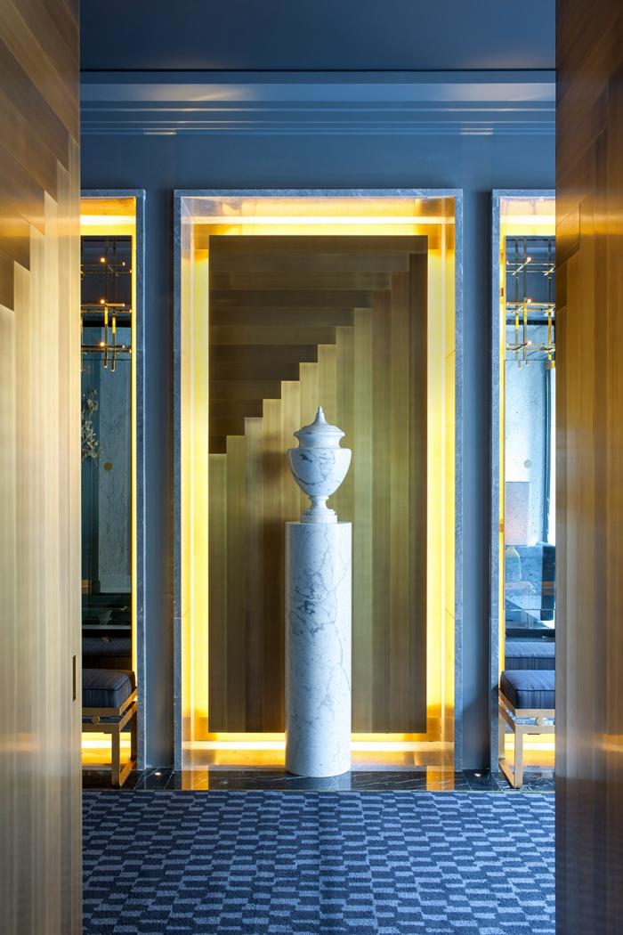 В интерьерах парижского бутик-отеля Nolinski Жан-Луи Деньо создал атмосферу шикарной французской квартиры.