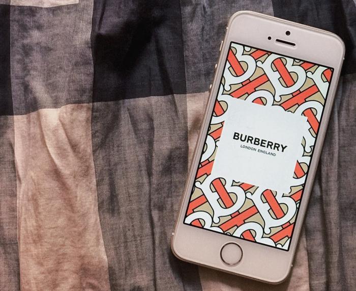 11 сентября 2018 в 15:48  340 Burberry будет продавать одежду через Instagram