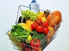 b56804d9e86d Многие думают, что фрукты, салат и нежирные йогурты - это верный способ  похудеть. Однако американские врачи утверждают обратное  эти диетические  продукты ...