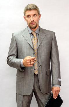 Специалисты отмечают, что деловой гардероб должен состоять из основных...